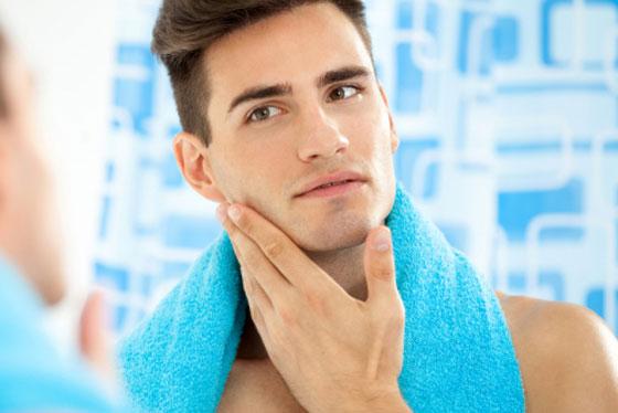 Unkomplizierte Bio-Hautpflege für den Mann.