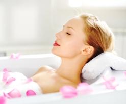 Naturkosmetik-Öle Baden und Duschen, heiße und duftende Tiefen-Entspannung genießen!